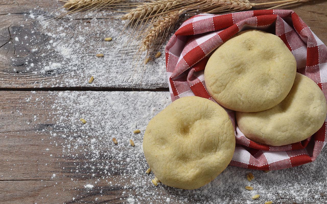 Focaccine di patate alla birra - Ricette Selenella