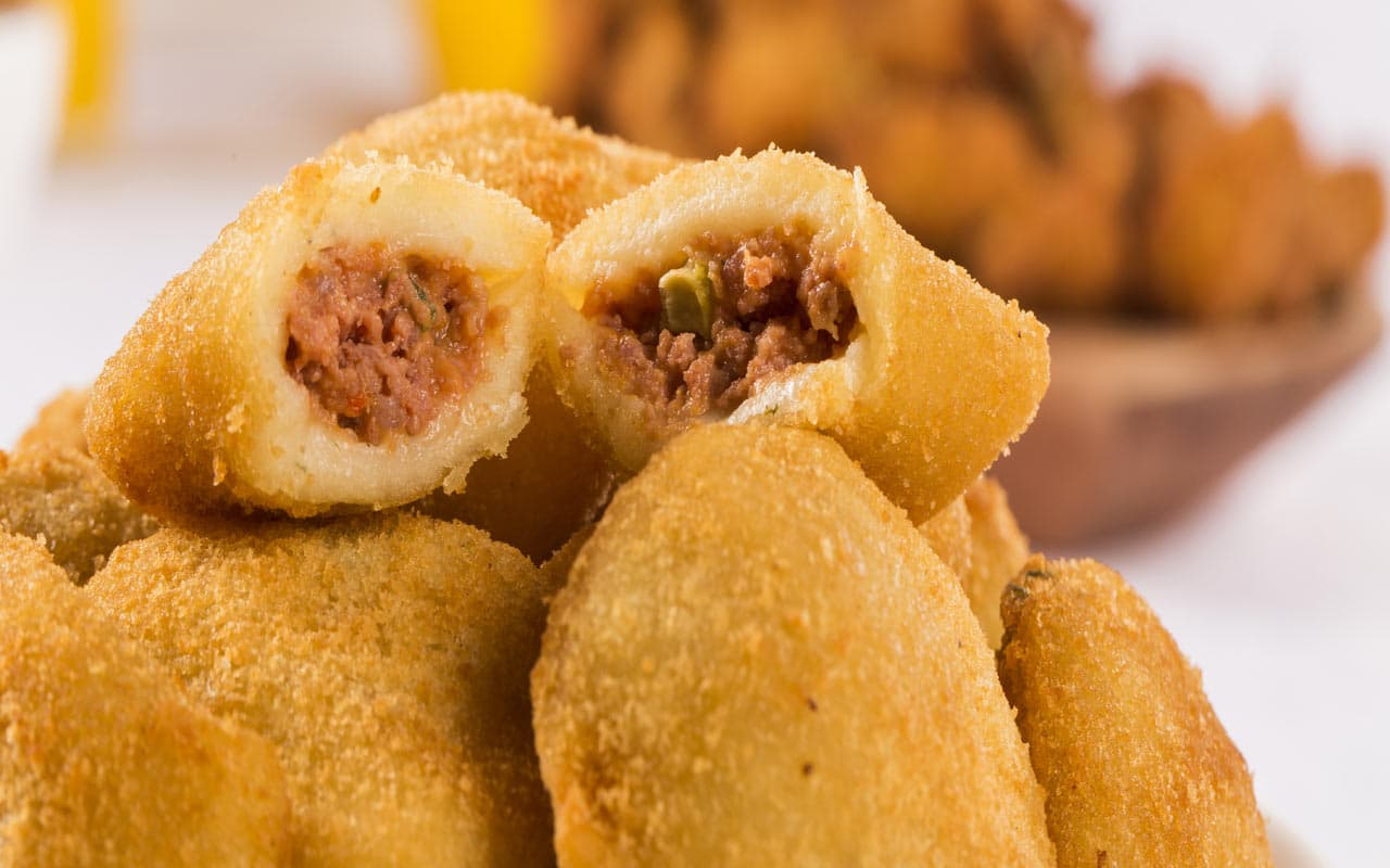 Crocchette di patate con salsiccia e piselli - Ricette Selenella