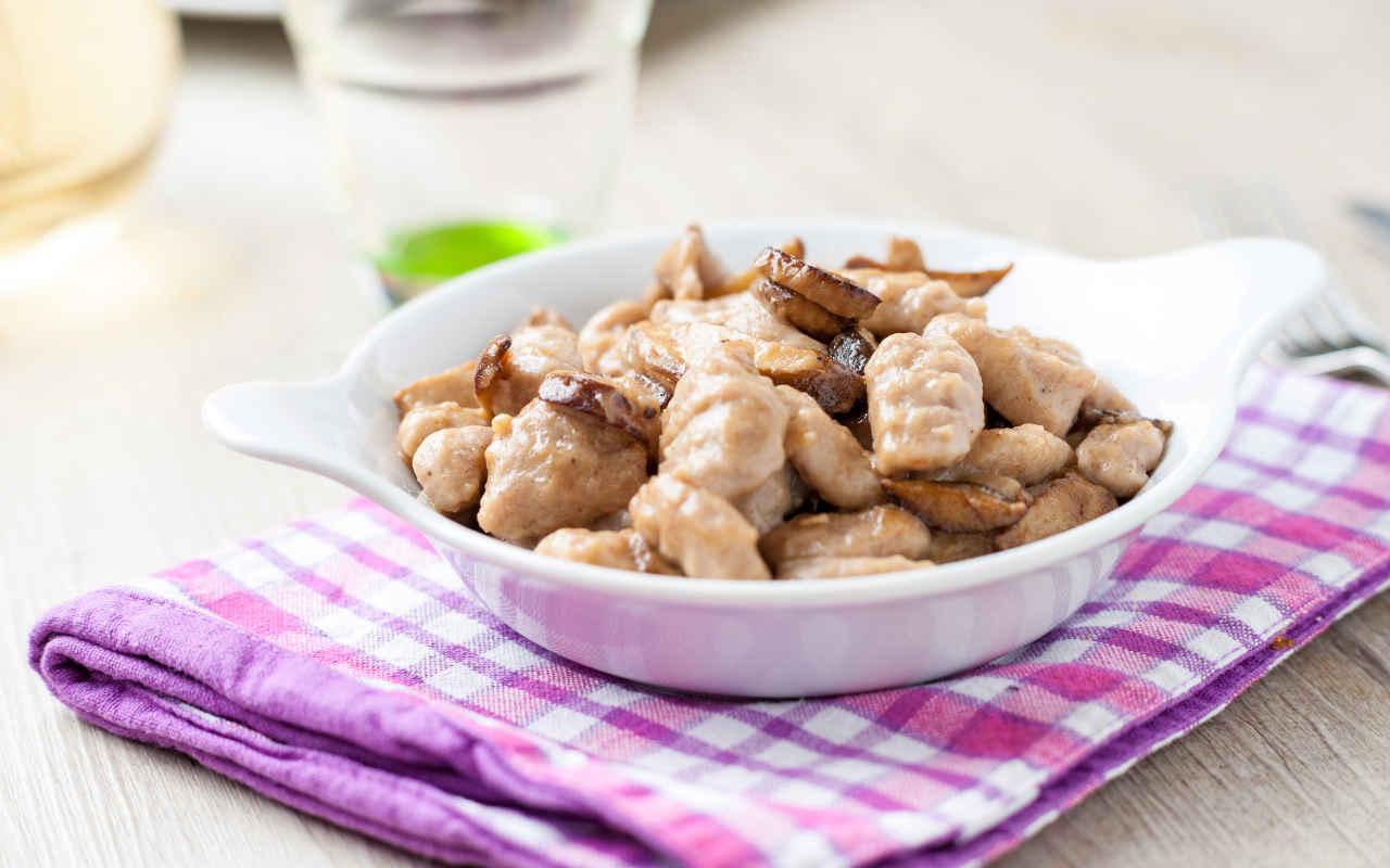 Gnocchi di farina integrale alla boscaiola - Ricette Selenella