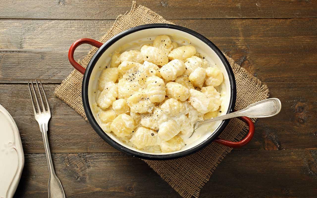Gnocchi di patate ai due sapori - Ricette Selenella
