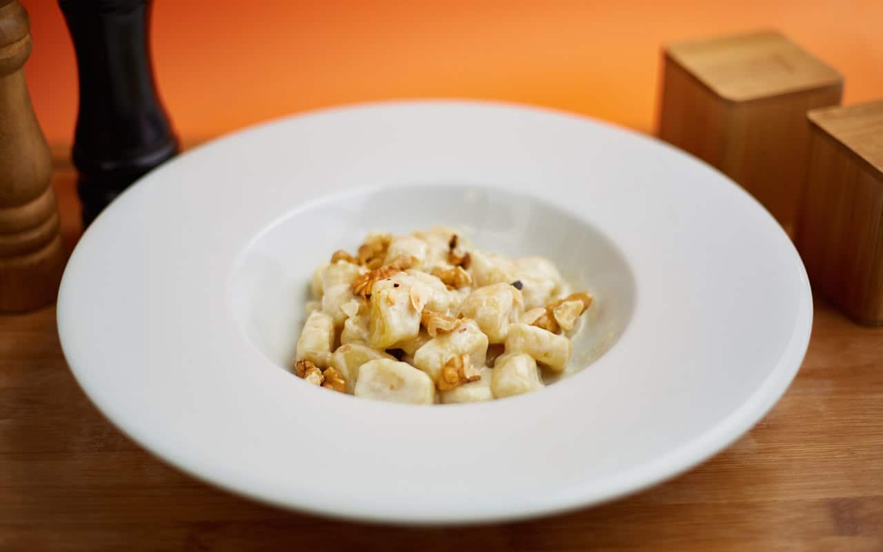 Gnocchi di patate Selenella al sugo di noci - Ricette Selenella