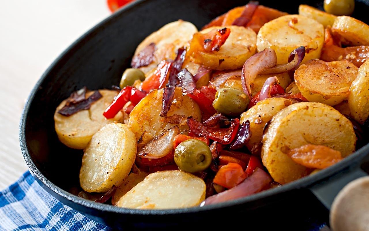 Patate al forno con verdure sfiziose - Ricette Selenella