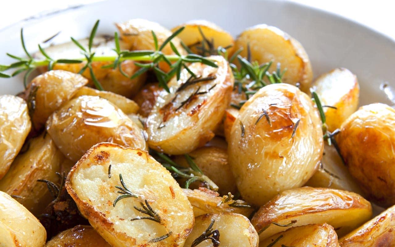 Patate al forno saporite - Ricette Selenella