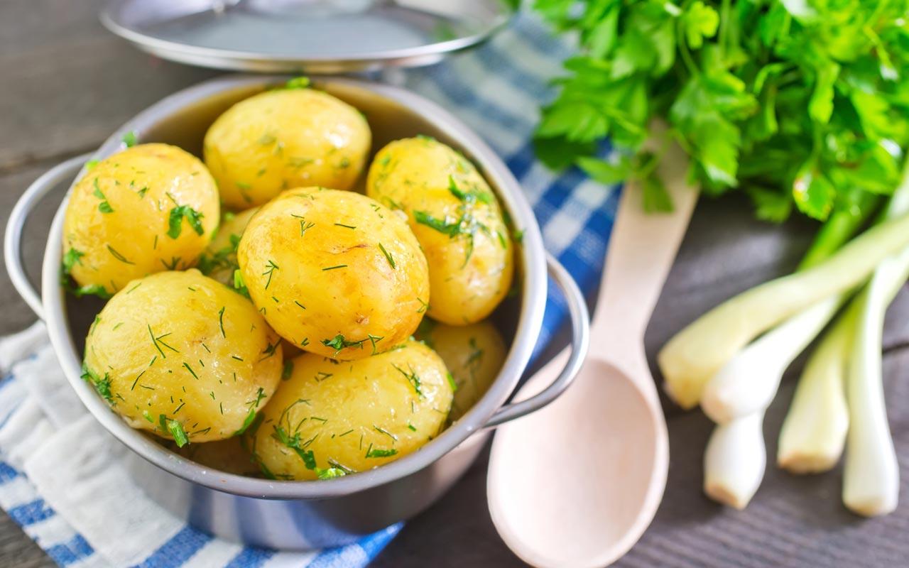 Patate prezzemolate - Ricette Selenella
