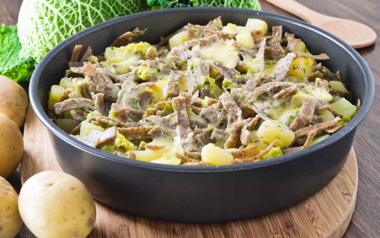 Pizzoccheri alla valdostana con patate Selenella - Ricette Selenella