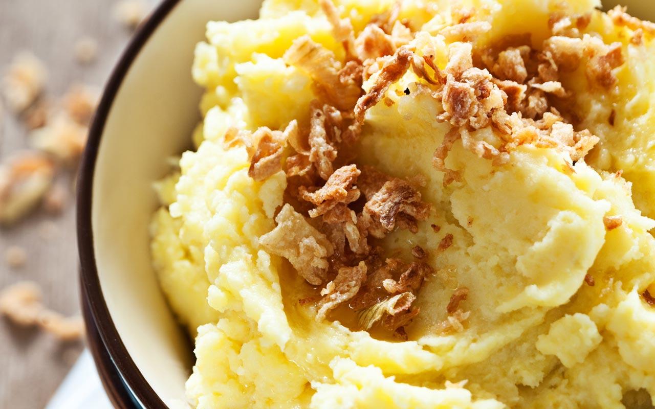 Purè con cipolla croccante - Ricette Selenella