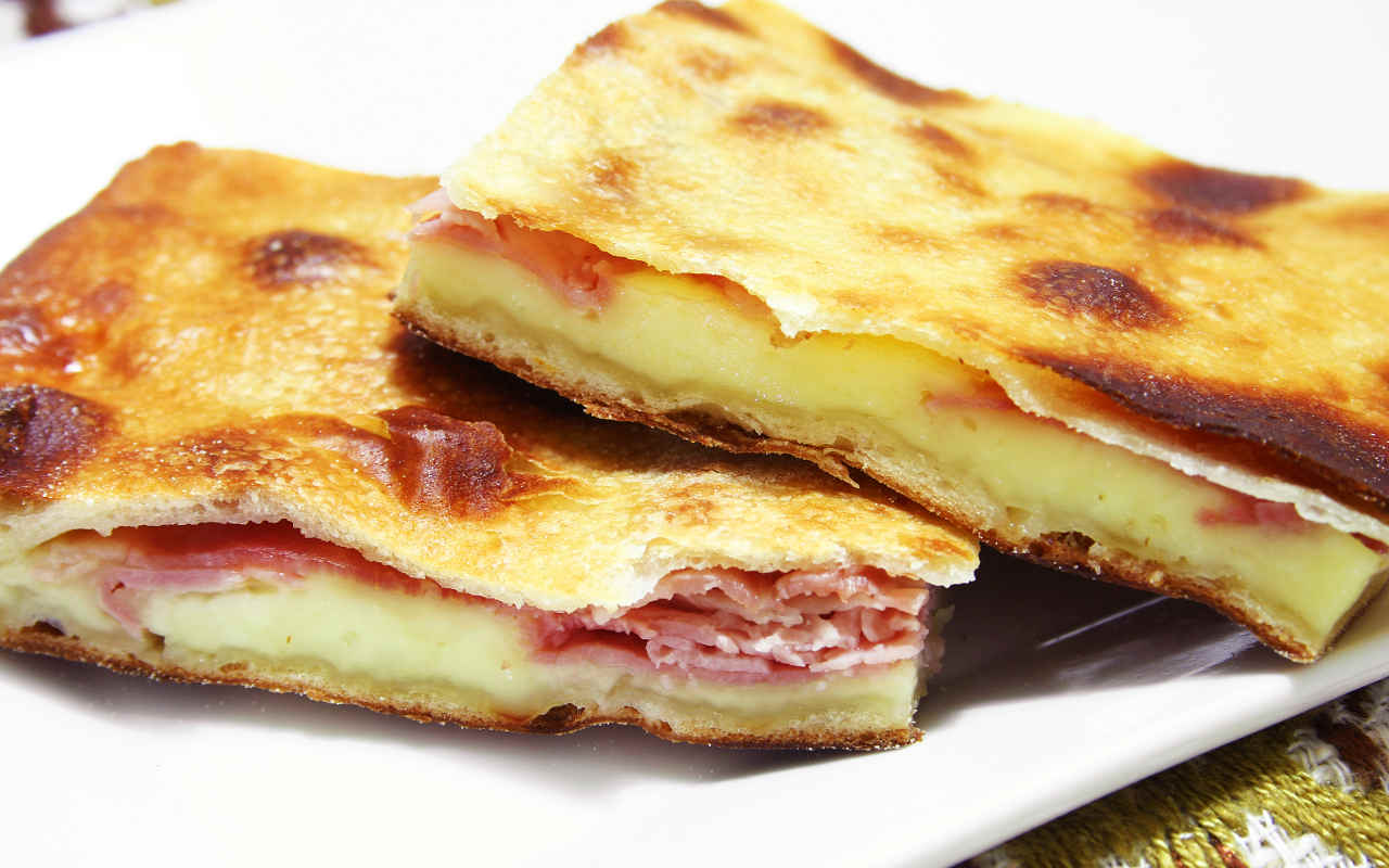 Schiacciata di patate - Ricette Selenella