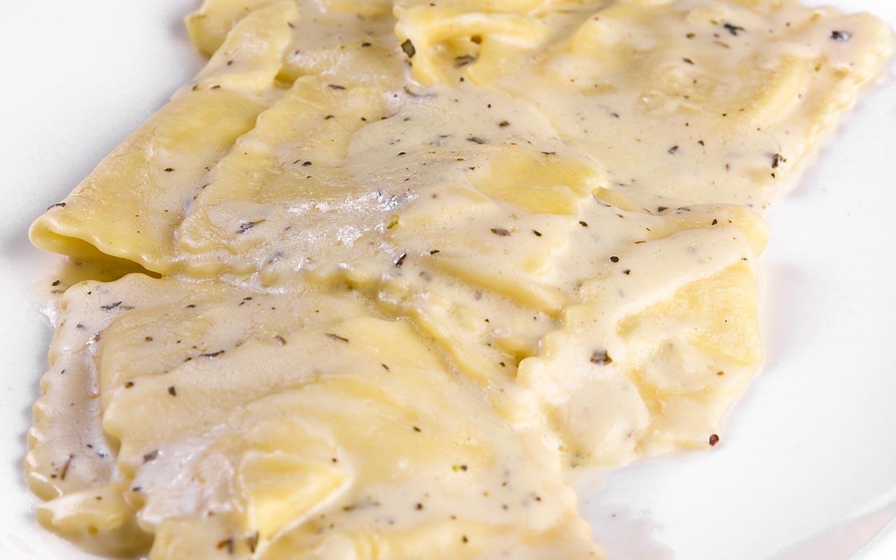 Tortelloni di patate ai formaggi - Ricette Selenella