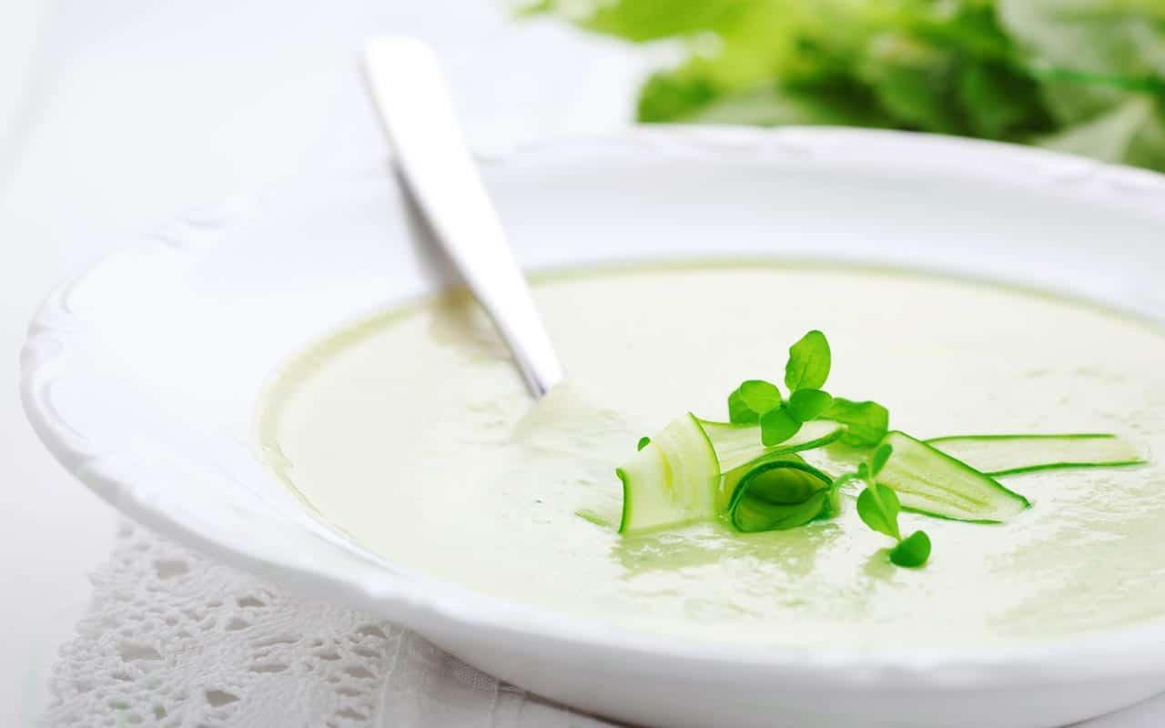 Vellutata di zucchine e patate - Ricette Selenella