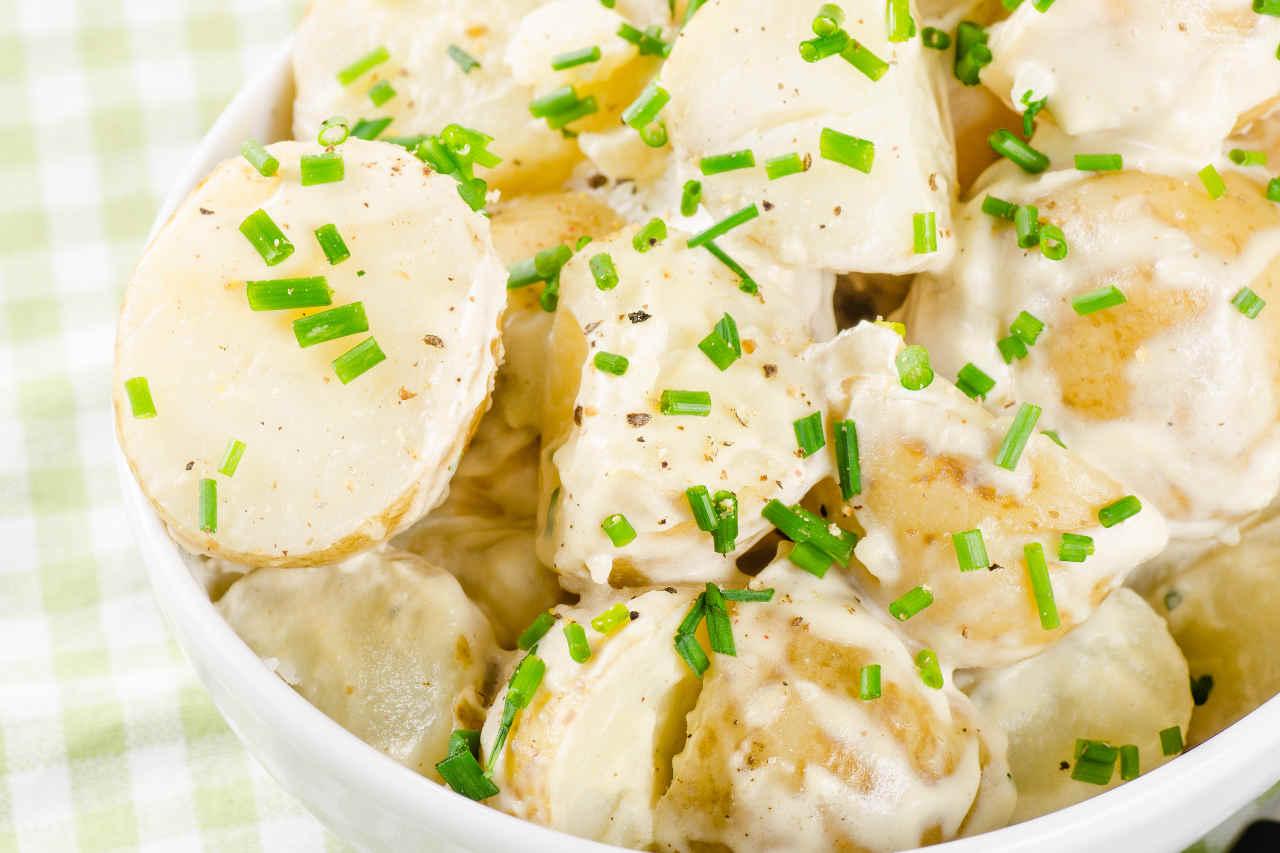 Insalata di patate Selenella, puntarelle e citronette alle acciughe - Ricette Selenella