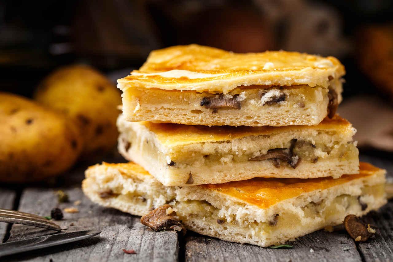 Torta di patate e funghi porcini - Ricette Selenella
