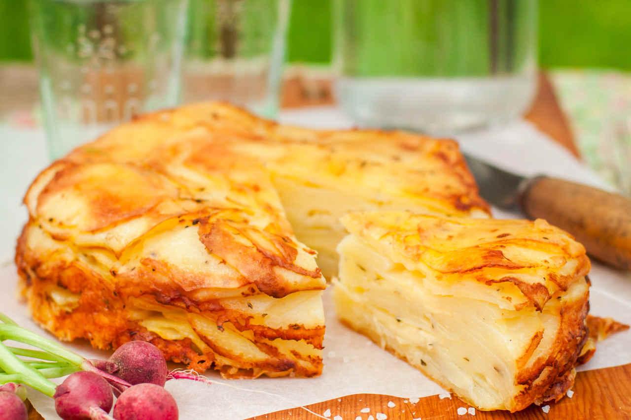 Torta di patate - Ricette Selenella