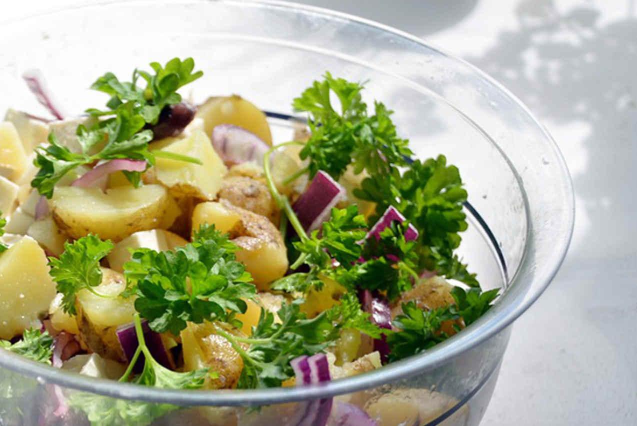 Insalata di patate alla greca - Ricette Selenella