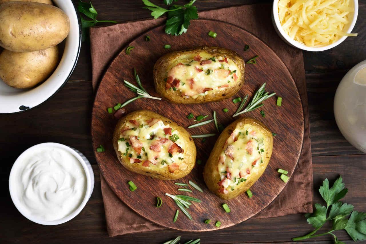 Barchette di patate Selenella con scamorza e pancetta - Ricette Selenella