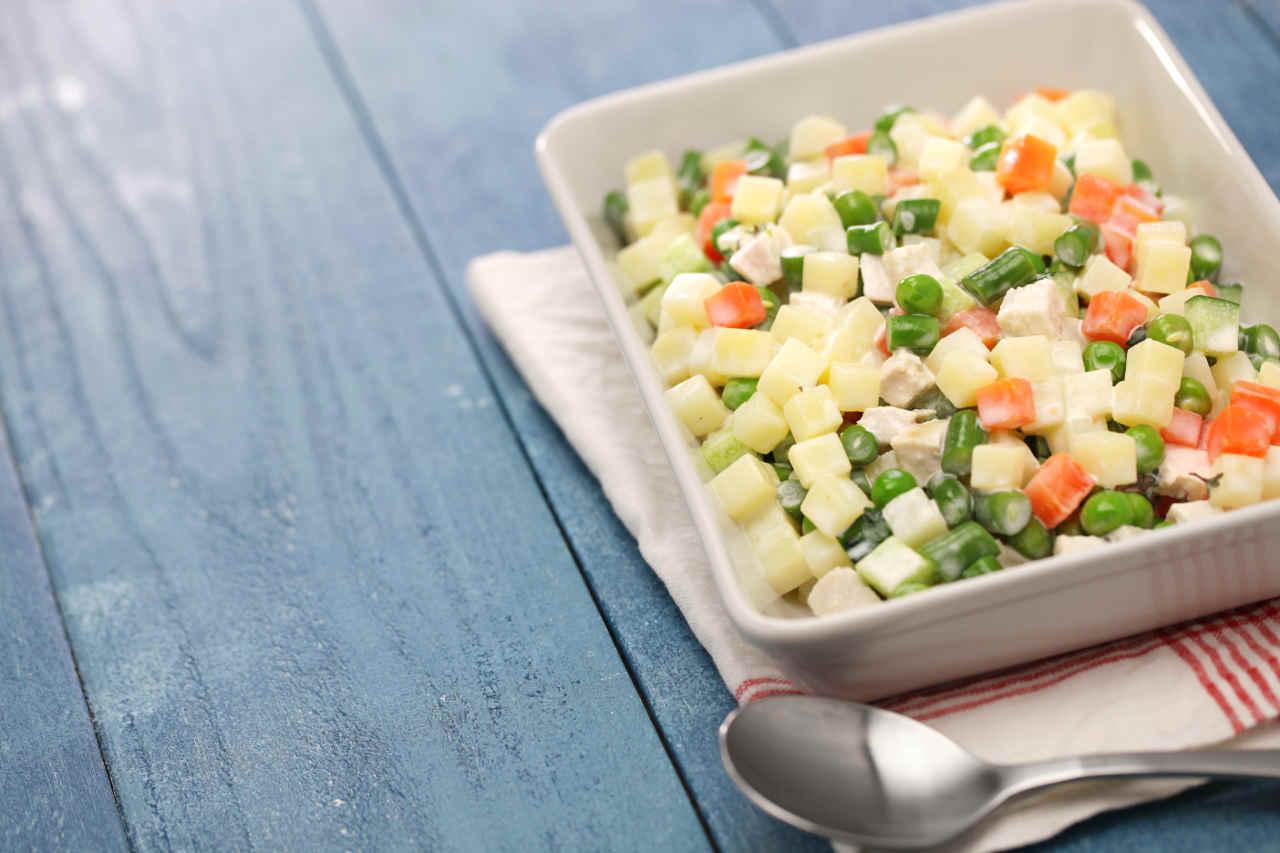 Insalata patate e fantasia di verdure - Ricette Selenella