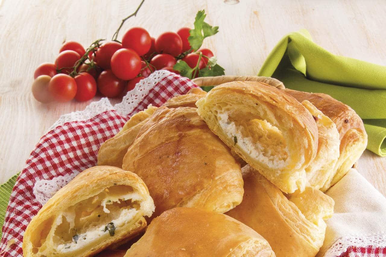 Fagottini ripieni con crema di formaggio - Ricette Selenella