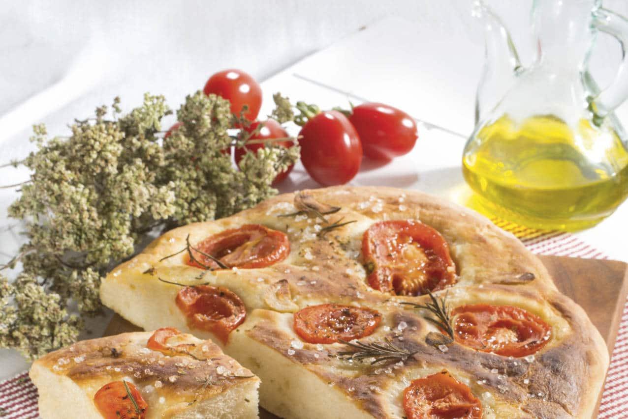 Focaccia morbidissima al sale - Ricette Selenella