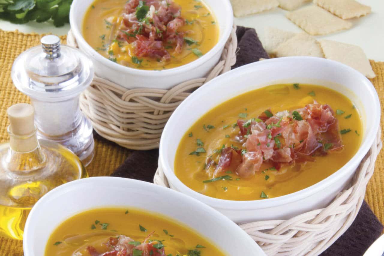 Vellutata di patate e zucca con prosciutto - Ricette Selenella