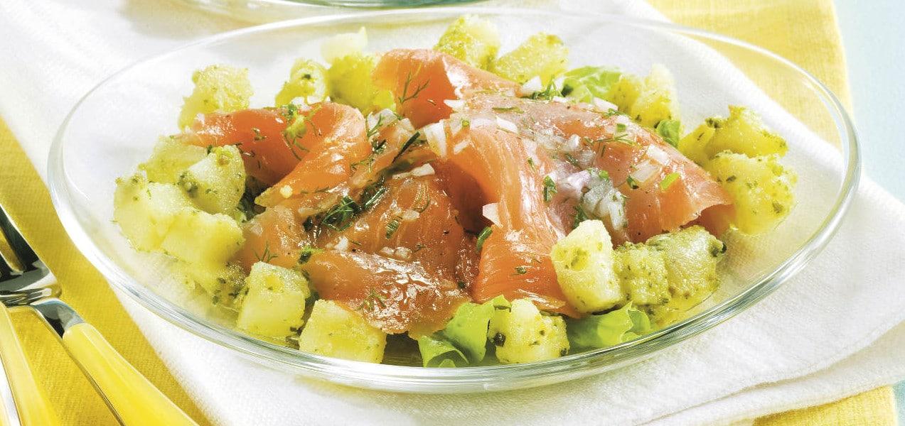 Insalata estiva con patate e salmone - Ricette Selenella