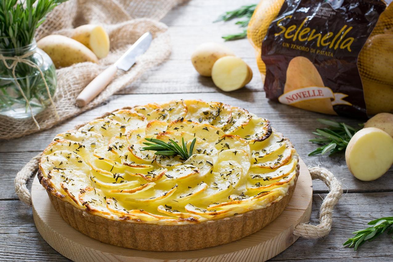 Torta salata alle patate, prosciutto cotto e formaggio - Ricette Selenella