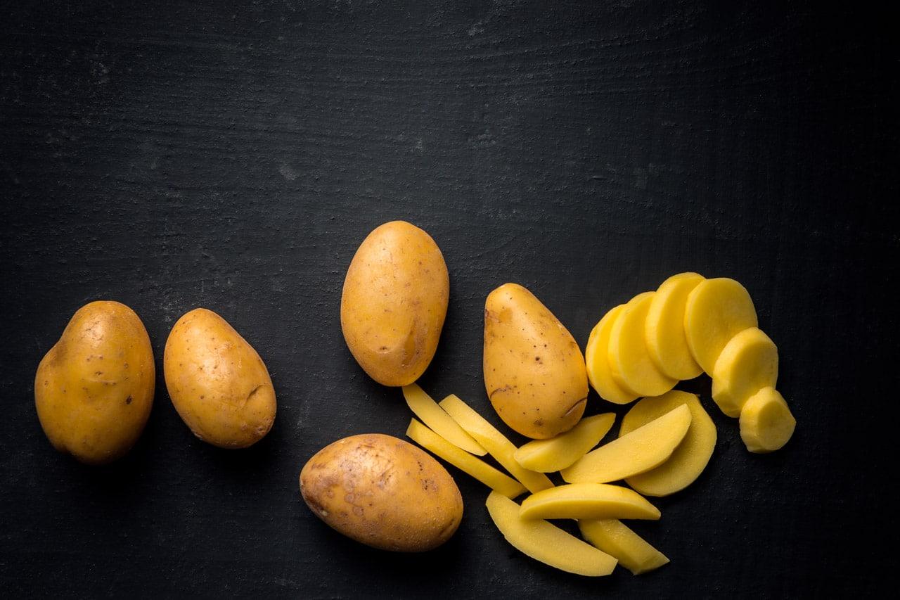 La buccia della patata: proprietà e benefici - Il Blog di Selenella