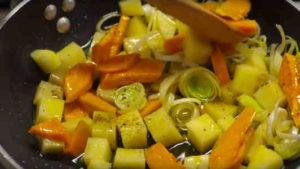 Vellutata di zucca e patate con speck - Ricette Selenella