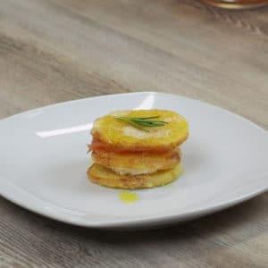 Millefoglie di patate al sale profumato di spezie - Ricette Selenella