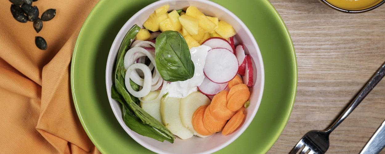 Insalata di patate, mango, carote e stracciatella di bufala - Ricette Selenella