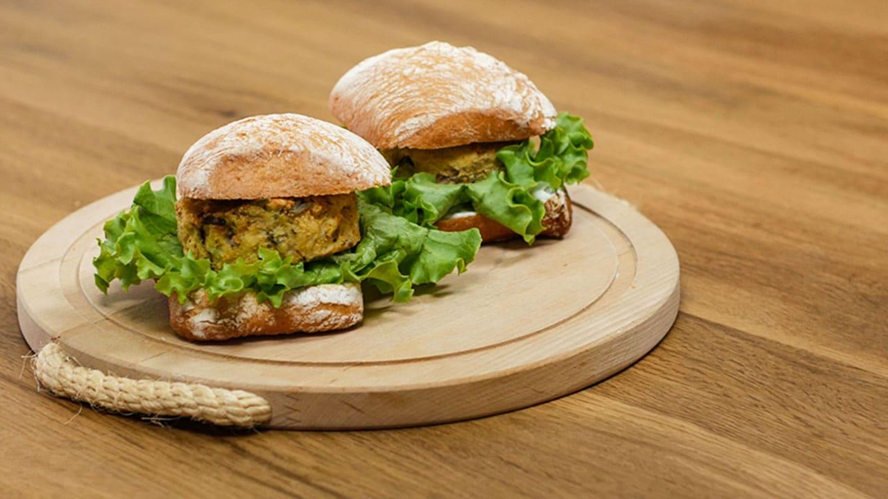 Veggy Burger con patate - Ricette Selenella