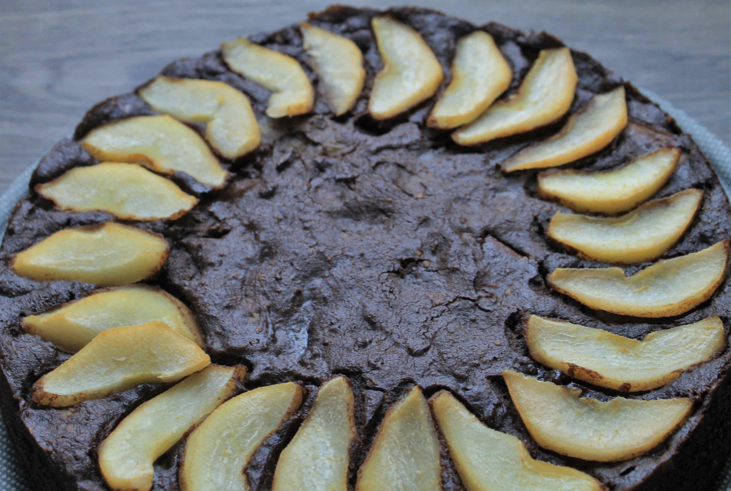 Torta di patate, cacao e pere - Ricette Selenella