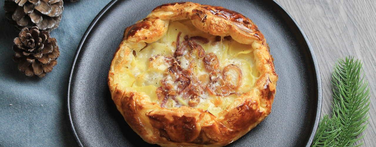 Torta rustica con patate, toma e cipolle - Ricette Selenella