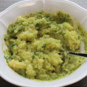 Mescolate il composto di patate e zucchine