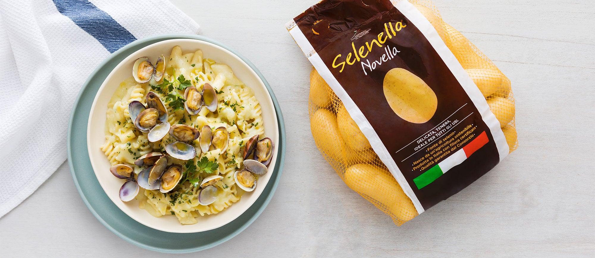 Pasta con patate, vongole e prezzemolo - Ricette Selenella